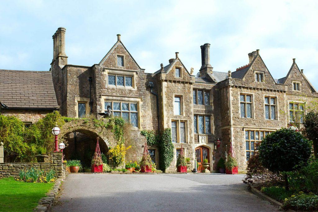 Miskin Manor